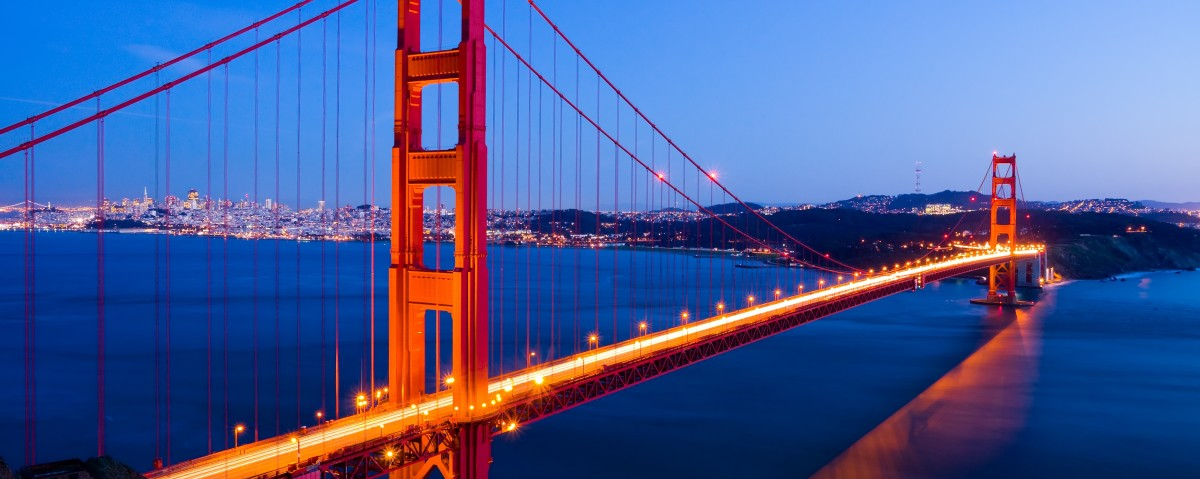 Landscape - Golden Gate Bridge. A Romantic Overview of the Bridge & City.